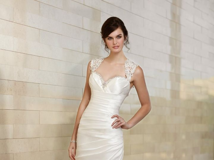 Tmx 1359665749833 1461FNoSash West Des Moines, Iowa wedding dress