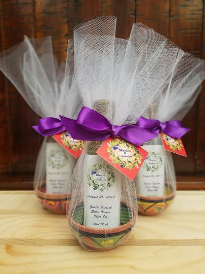 Single olive oil favors