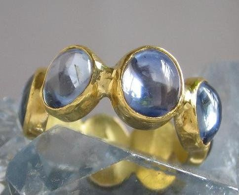 22K Yellow Gold Bezel Ring with Sapphire Cabochons