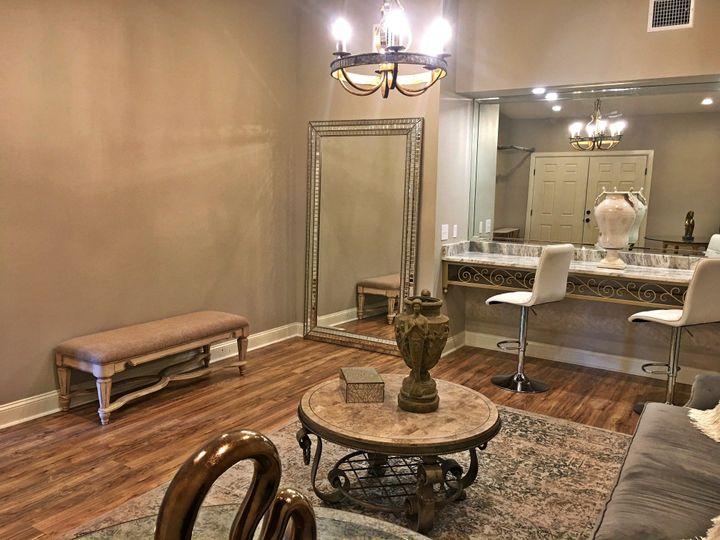 Savoie's Venue - Bridal Suite