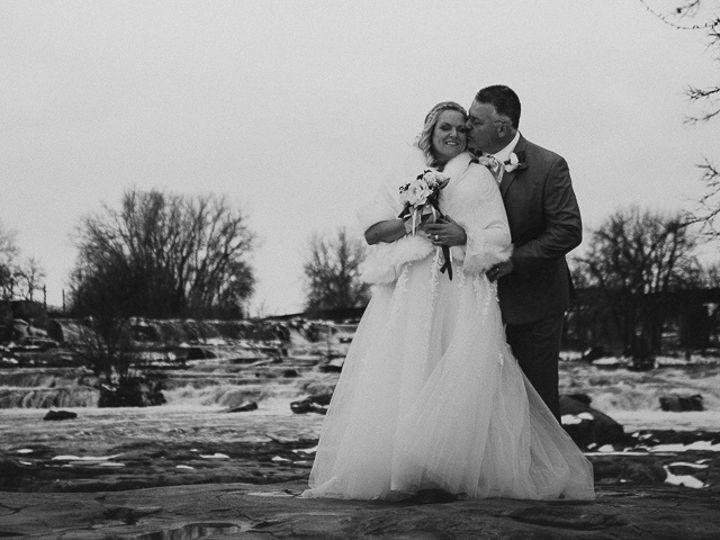 Tmx Weddingpro 3 51 1890725 159061718453980 Beaver Creek, MN wedding photography