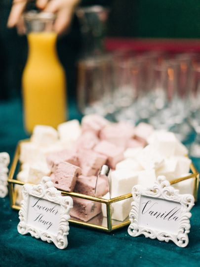 Marshmallows for champagne