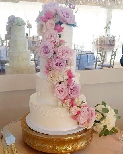 Wingate S Cake Design Wedding Cake Westport Ma Weddingwire