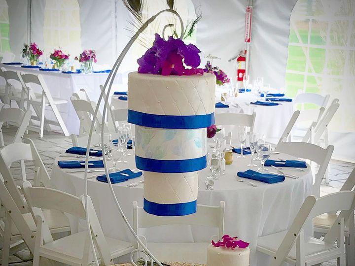 Tmx 1526386697 64efd1e7643b75a5 1526386694 00a643454f3fd474 1526386664164 6 IMG 2456 Westport, Rhode Island wedding cake
