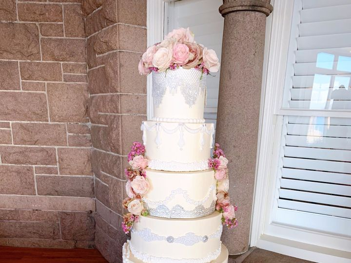 Tmx Img 4329 51 915725 158429792981282 Westport, Rhode Island wedding cake
