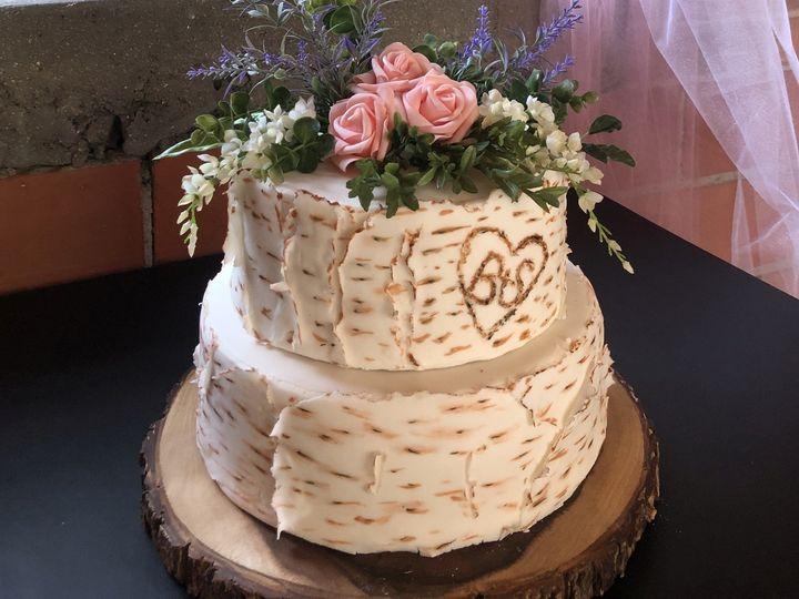 Tmx Img 1270knot 51 1916725 158268496074034 Toledo, OH wedding cake