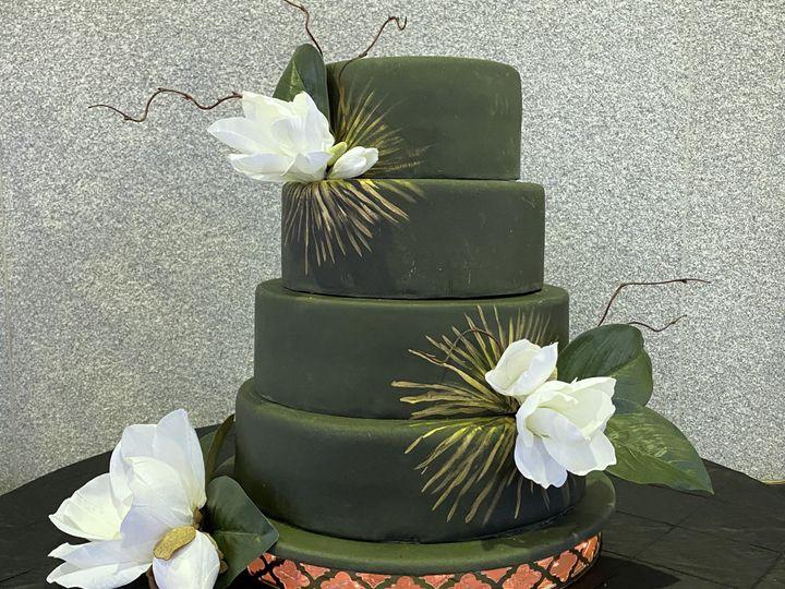 Tmx Img 1632knot 51 1916725 158272318664904 Toledo, OH wedding cake