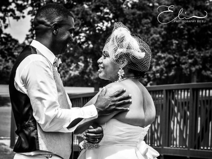 Tmx 1532098456 0350f9c945469df9 1532098455 A5320adbb367143e 1532098454721 2 Eli2 Austin wedding photography