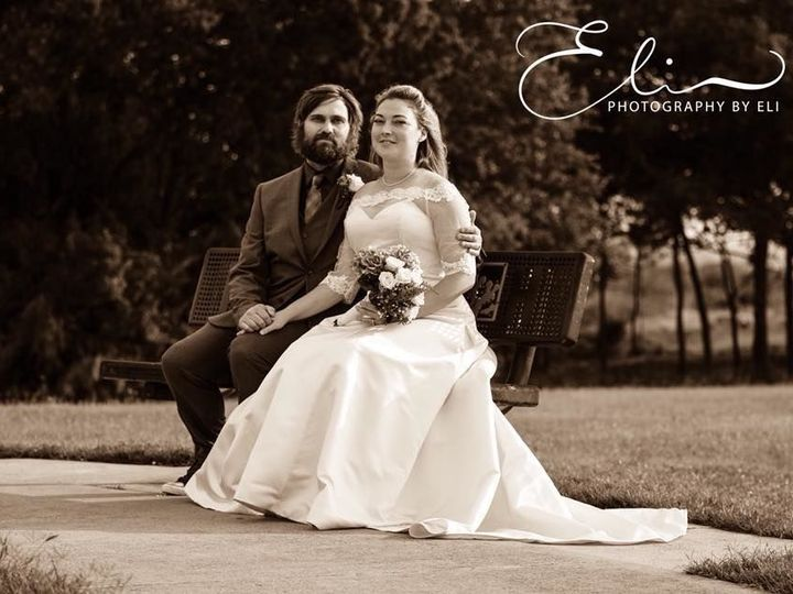 Tmx 1532098457 6a1ad8461183734d 1532098455 17ca71c2511df72f 1532098454769 7 Eli7 Austin wedding photography