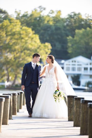 kristinjon theriverview wedding sneakpeek 4 1 51 921825 1570058333