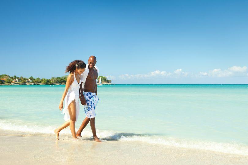 Couples - walk on beach