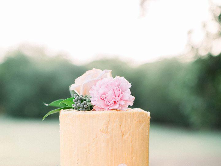 Tmx 1533326595 765aed8158162c31 1533326593 5f88f14aac85acd4 1533326592129 3 Wedding Cake Dallas, TX wedding florist