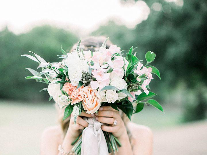 Tmx 1533326595 A3e1d76cefe59451 1533326594 4f6192b40ba99671 1533326592134 6 Bridal Bouquet Rai Dallas, TX wedding florist