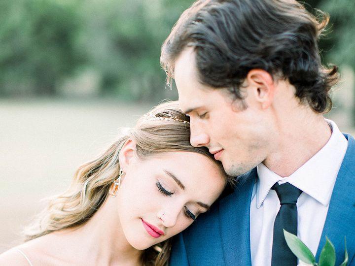 Tmx 1533326600 D32f89ecb37c4fef 1533326597 997d1d0560636a9d 1533326592146 18 Bride And Groom C Dallas, TX wedding florist