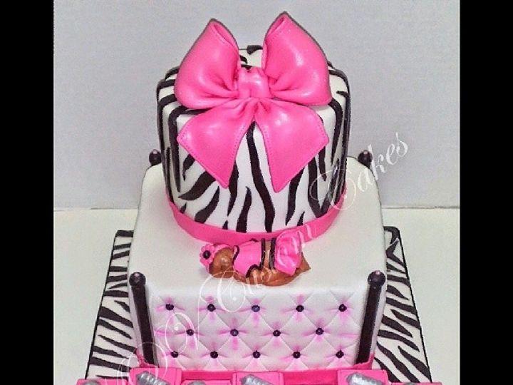 Tmx 1402958632161 3dd8b32ccf6e11e39fce0002c99d43968 Bronx wedding cake