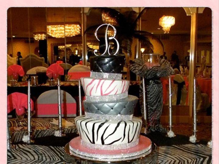 Tmx 1402958651533 30a4f5fe9f5d11e2908222000a9f146a7 Bronx wedding cake