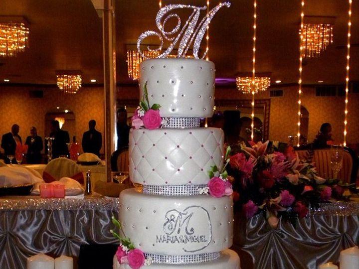 Tmx 1402958736449 979e9fe2e1f511e1a9be22000a1e8b1a7 Bronx wedding cake