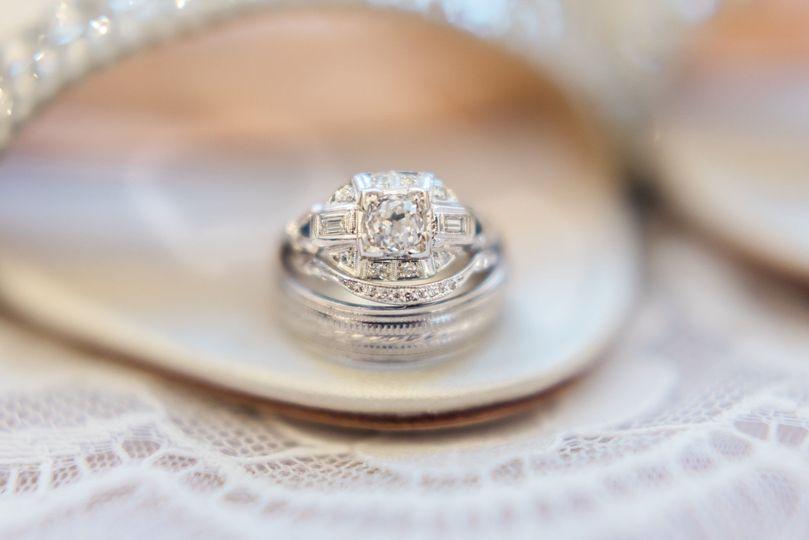 a75c9a1a34295f99 1515607759 29b3fcb9ce85962b 1515607755066 2 Bridal jewelry Br
