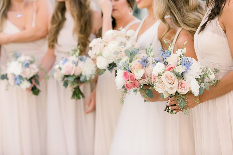 Row of flowers | Traci and Troy Photography