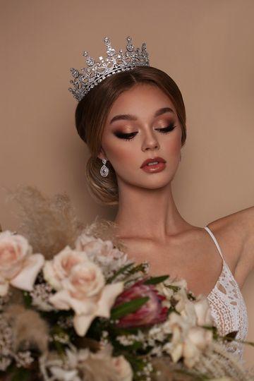 Gwyneth Swarovski full crown