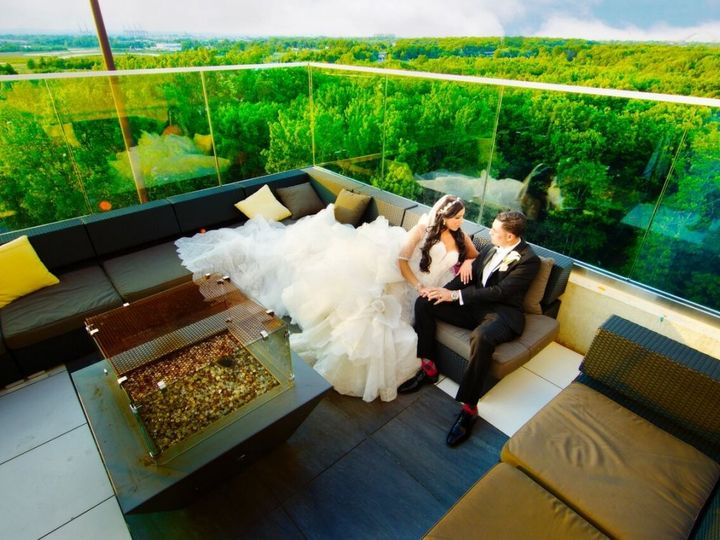 Tmx Aw Couple Outdoor Rooftop Infinity Winter 2016 51 587825 Staten Island, New York wedding venue