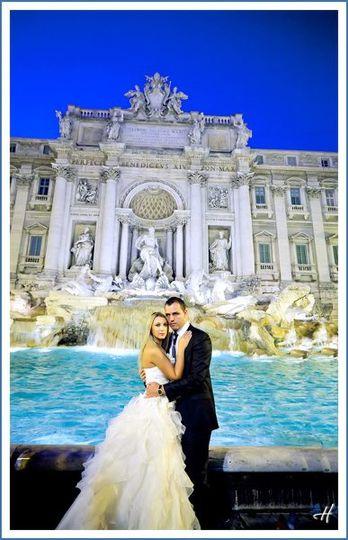 wedding photo in Rome at Fontana di Trevi