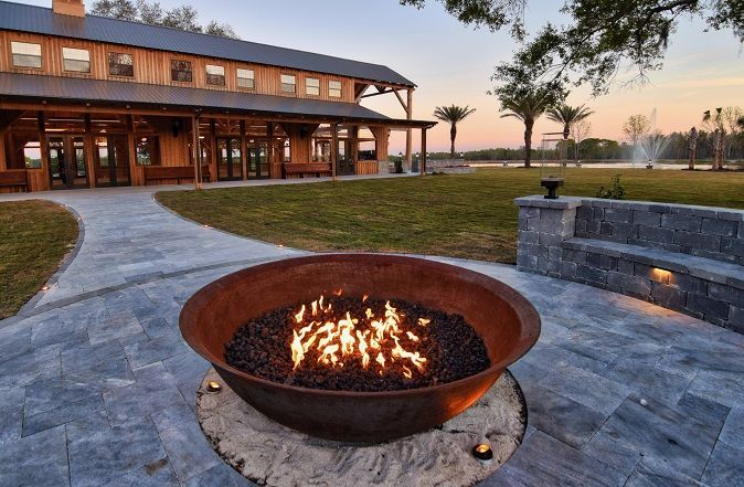 Relaxing gas fire pit