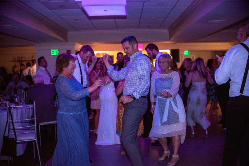 All guest on dance floor