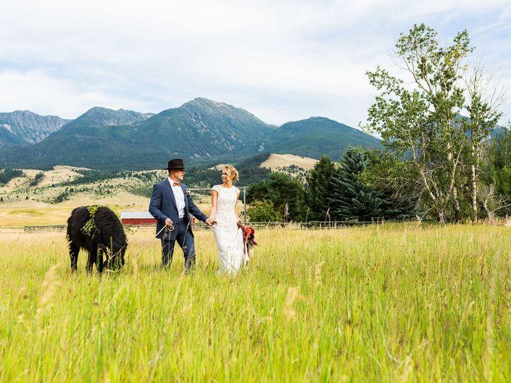 Tmx Mlp Llama Styledshoot 255 51 1458925 160187079545176 Bozeman, MT wedding planner