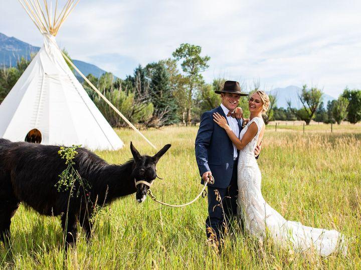 Tmx Mlp Llama Styledshoot 281 51 1458925 160187080326560 Bozeman, MT wedding planner