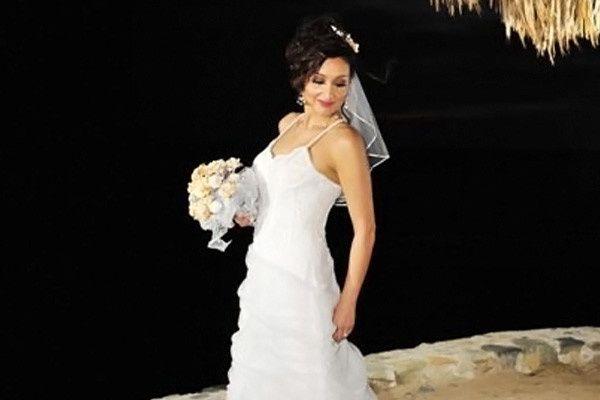 Tmx 1467220836350 1520914364374215715209 Mobile wedding dress
