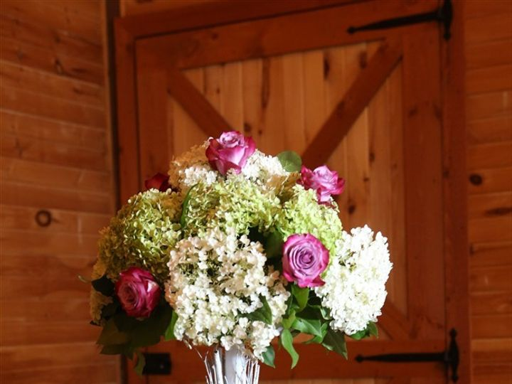 Tmx Brochure Kelly Hahn Ory Florals Tall Centerpiece On Barrel 51 1035 1567640311 Mount Airy, MD wedding venue