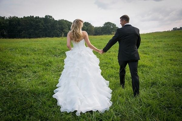 Tmx Wedding Field Couple 51 1035 1567640864 Mount Airy, MD wedding venue