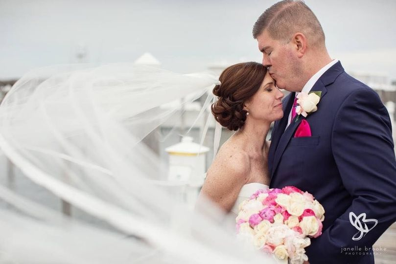 Beautiful wedding at Montauk Yacht Club | Photo by Janelle Brook Photography
