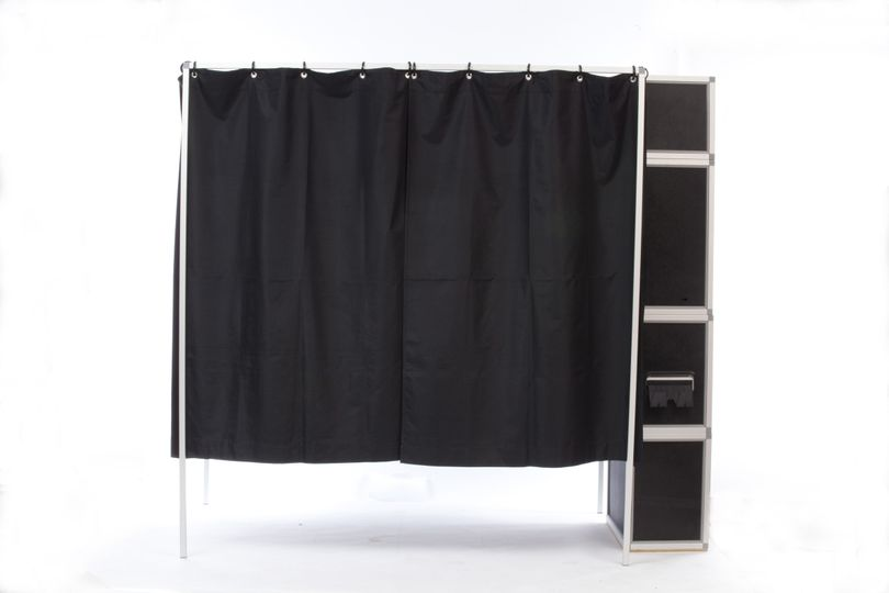 booth side closed curtain