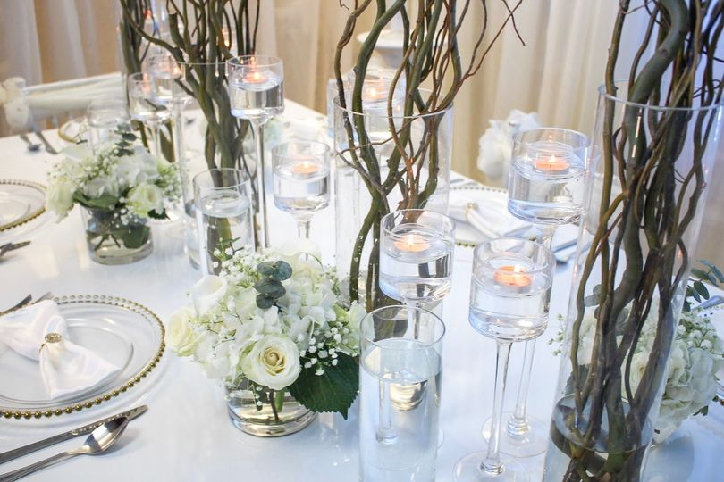 Curly Willow Centerpieces and pops of fresh flower accents