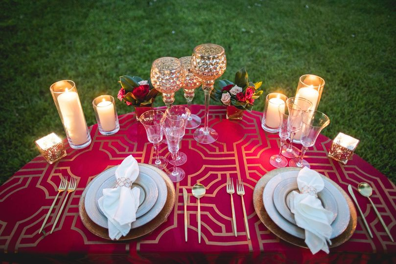 Red and Gold Sweetheart Table