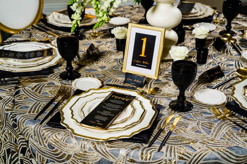 Black and Gold Reception Table