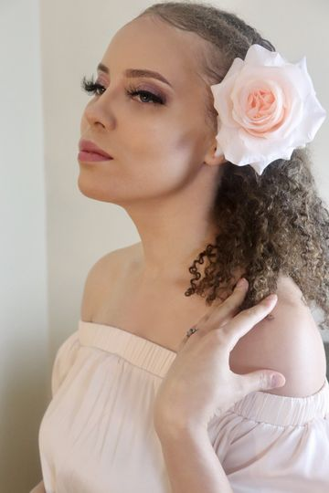 Bridal Model Diamond