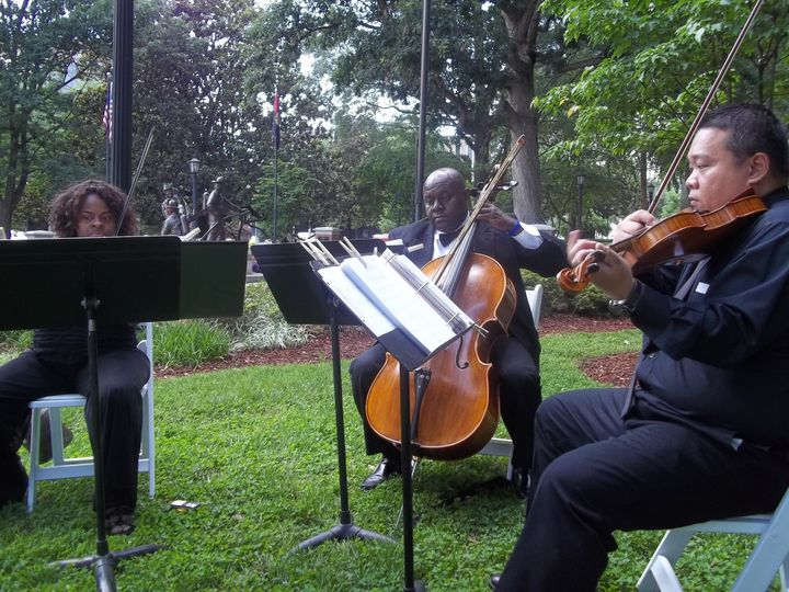 Outdoor strings performance