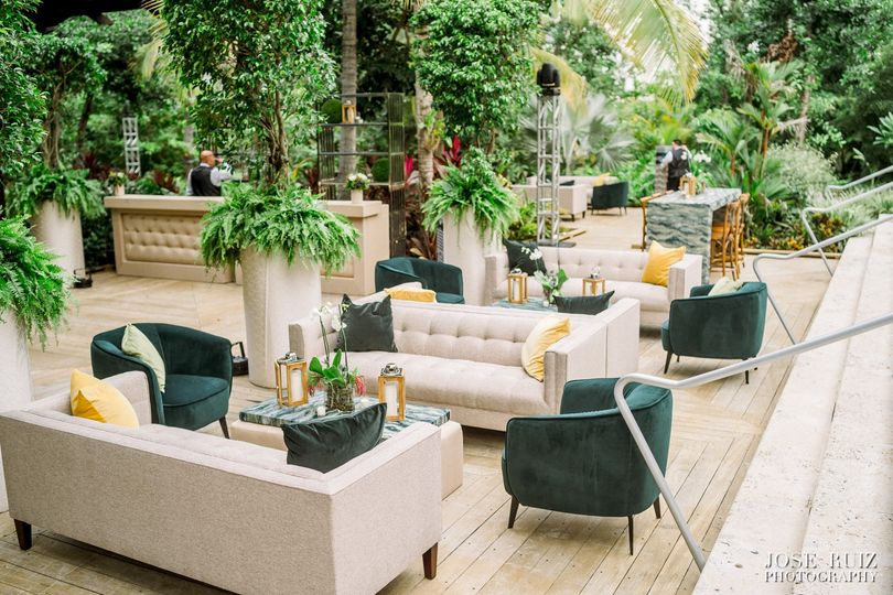 Tropical Lounge Areas Design