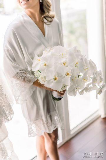 White & Delicat Bouquet