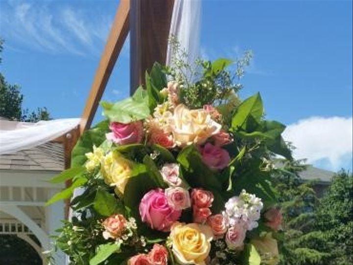 Tmx 614f318e5092d305d28d2d4bd4b06929 370x657 51 1863135 1567099188 Lansdale, PA wedding florist