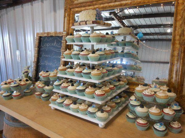 Tmx 1327464570196 DSCN1081 Paso Robles wedding cake