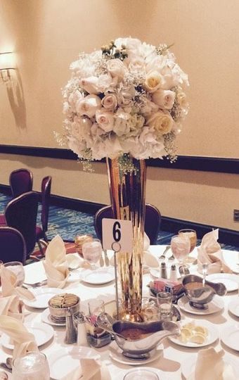 800x800 1516544166 f57f6e66b6d4195c 1516544165 b7fddfe601130ce5 1516544165353 8 tall center piece