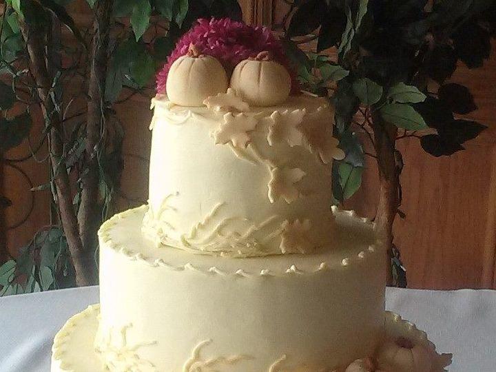 Tmx 12191334 1229387367075059 5410211068514954737 O 51 1223235 160477046073300 Essexville, MI wedding cake