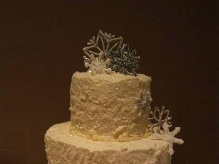 Tmx 16298832 1699473600066431 1255195114558655453 N 51 1223235 160477047914044 Essexville, MI wedding cake