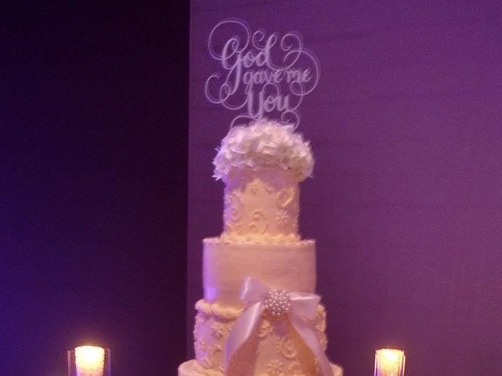 Tmx 23334345 2086256761388111 7946151073604859954 O 51 1223235 160477042787873 Essexville, MI wedding cake