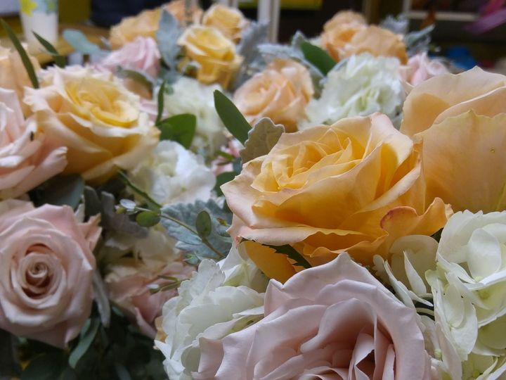Tmx 1522124238 2ab259b69f2d7d05 20170714 192404 Easton wedding florist