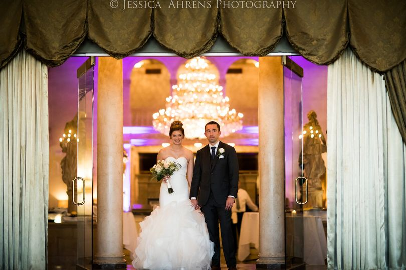 800x800 1505330225151 statler city wedding photos buffalo ny jessica ahr